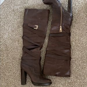 MICHAEL KORES HIGH BOOT. SIZE 6